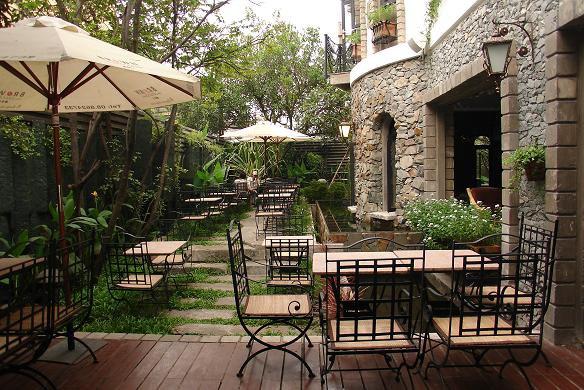 Top cà phê sân vườn đẹp tại 7 Quận TP. Hồ Chí Minh 15